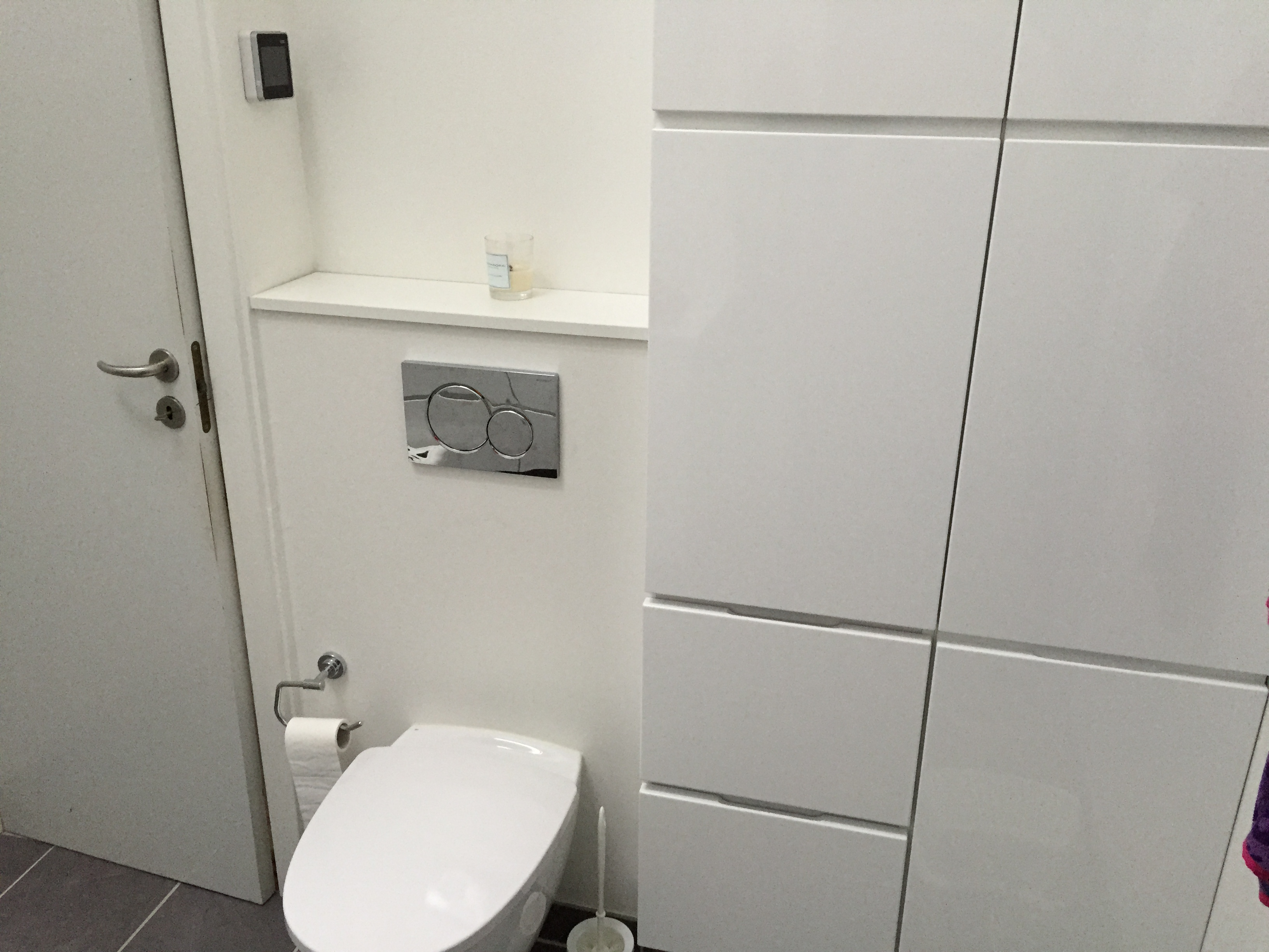 væghængt hjørne wc